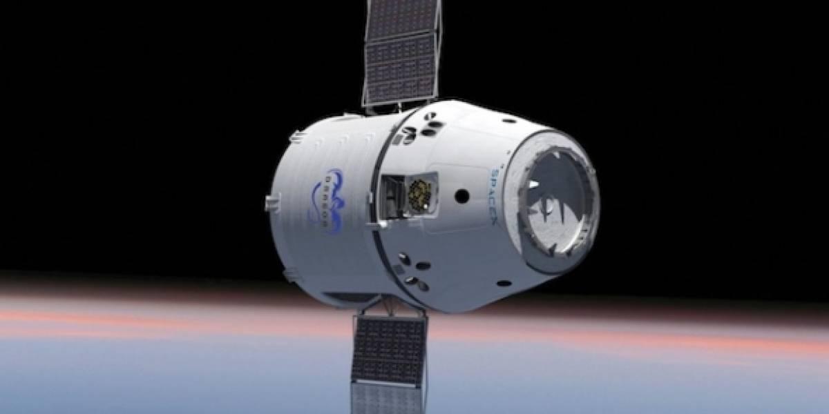 La cápsula Dragón se aproxima a la Estación Espacial Internacional