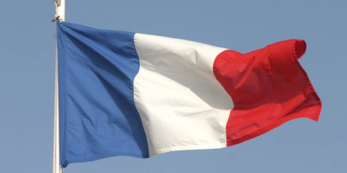 """Francia prohibe decir """"Facebook"""" y """"Twitter"""" en televisión"""