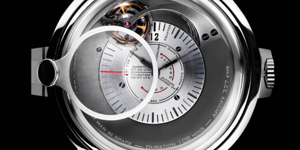 Los 50 años del hombre al espacio tienen un reloj conmemorativo a su altura