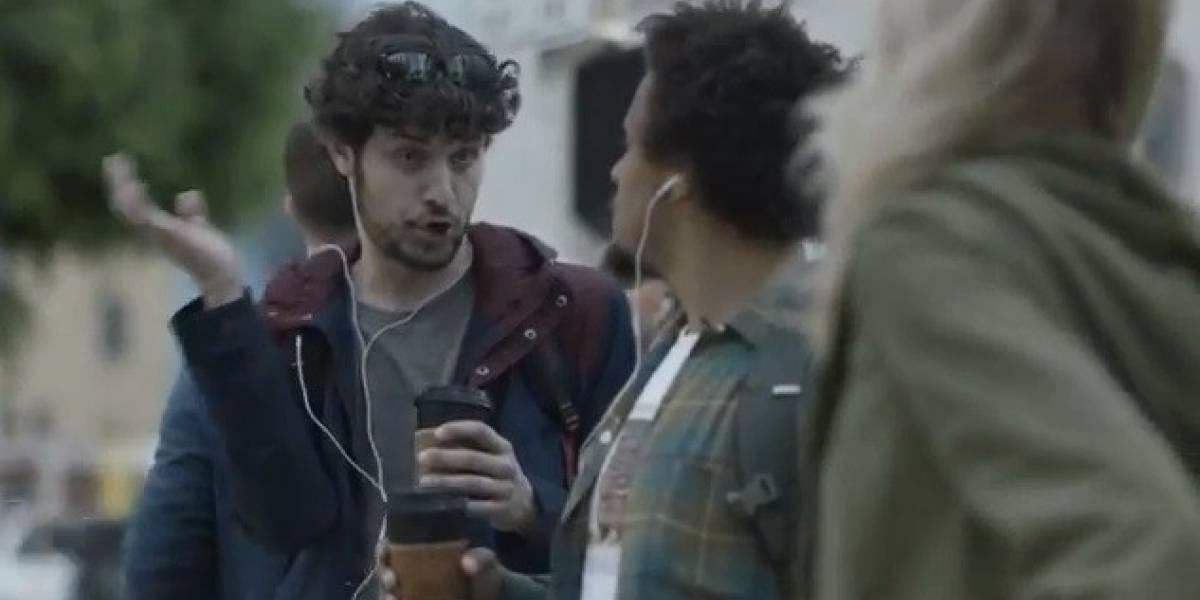 Samsung se burla una vez más de Apple, el iPhone y sus fanboys