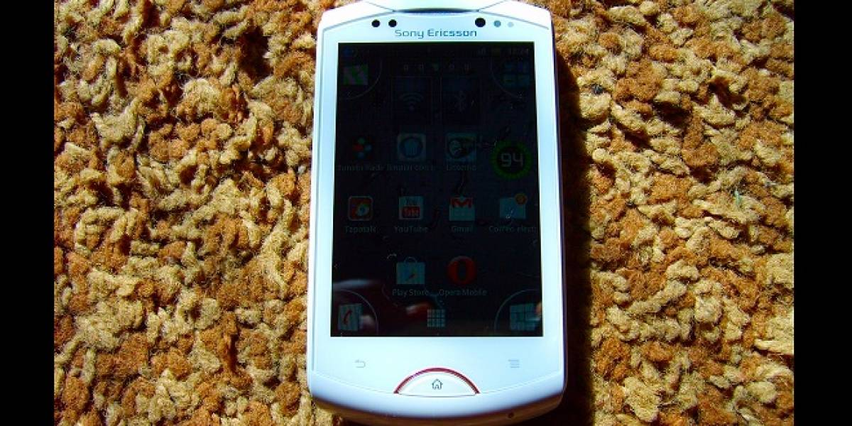 Sony Ericsson Live with Walkman WT19a [W Labs del Lector]