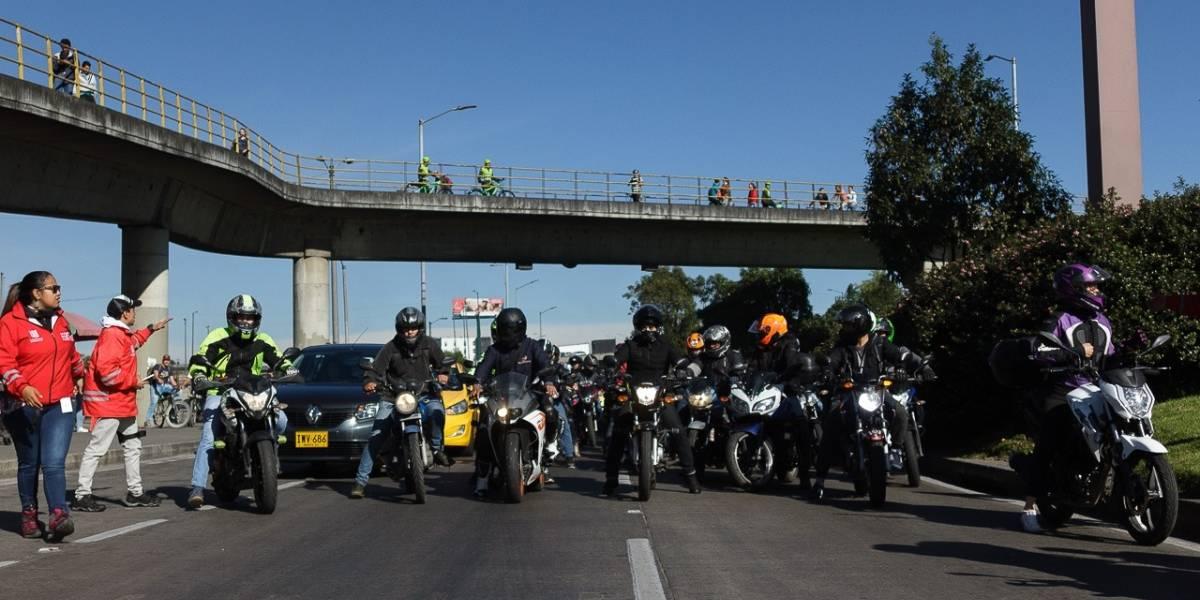 ¿Se vienen más motos con prohibición de parrillero hombre en Bogotá?