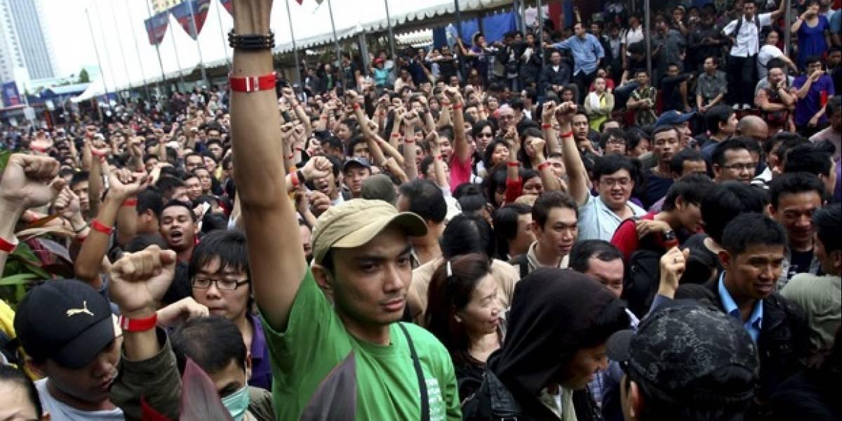 Indonesia: Caos para comprar el BlackBerry Bold 9790 este Viernes Negro deja 90 personas heridas