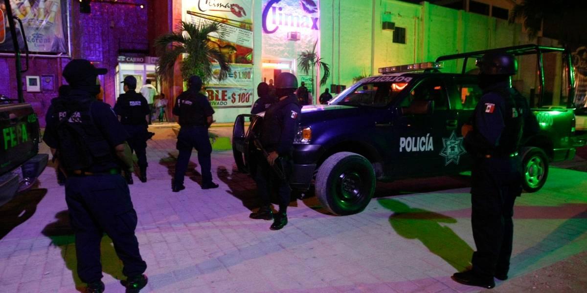 Españoles insultan a México porque policías les piden mordida por conducir ebrios