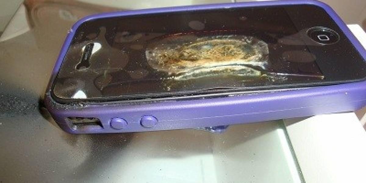 Brasil: iPhone 4 se quema mientras se cargaba