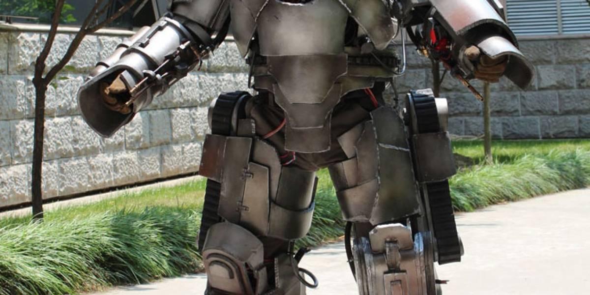 Un hombre chino construye una armadura de Iron Man, se presenta a trabajar en ella