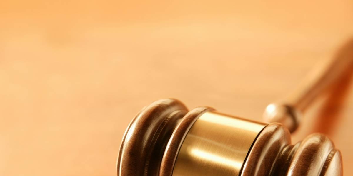 Abuela escocesa es sentenciada a 3 años de libertad condicional por compartir música