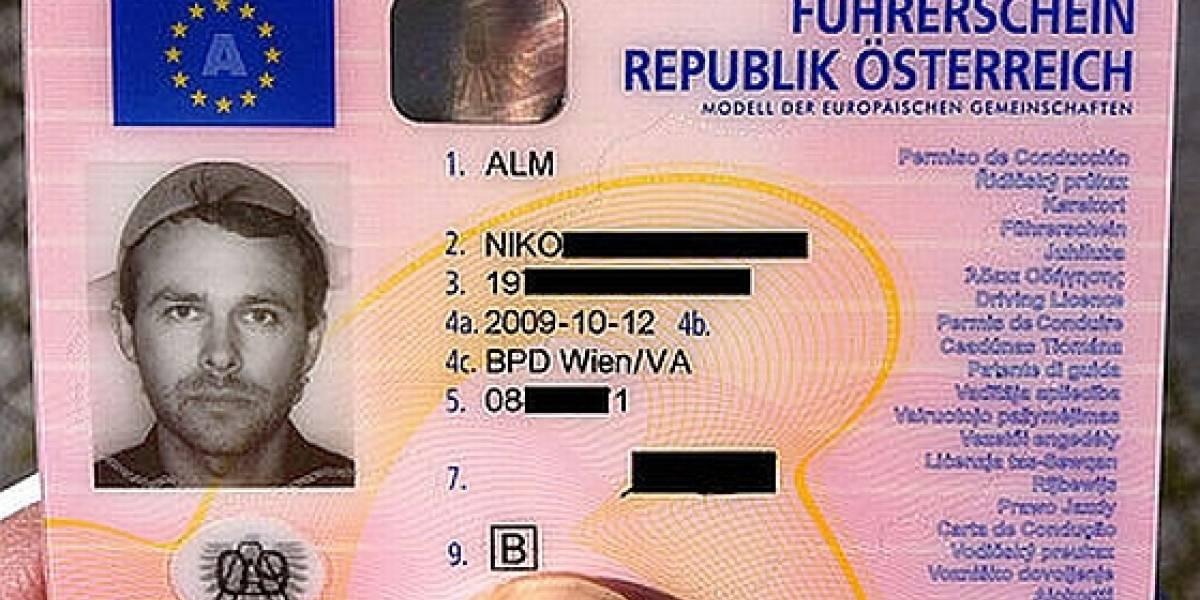 Un pastafari logra usar un colador de pasta para la foto de su licencia de conducir