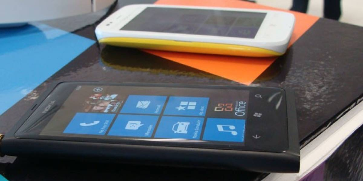 Nokia presentó a Lumia 800 y Lumia 710 en España