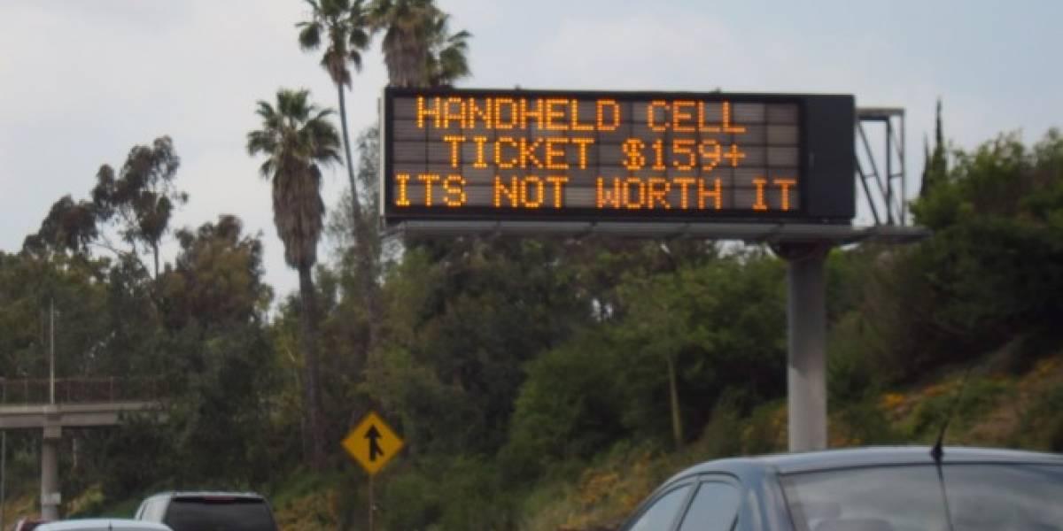 Desarrollan sistema para bloquear celulares en carreteras