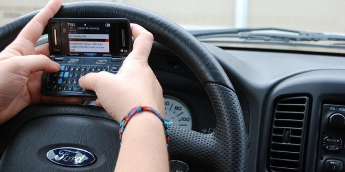 México: Incrementan accidentes automovilísticos en el D.F. por envío de SMS