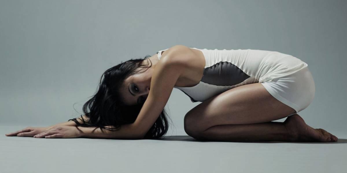 ¿Qué te parece un traje que te corrige la posición cuando haces Yoga?