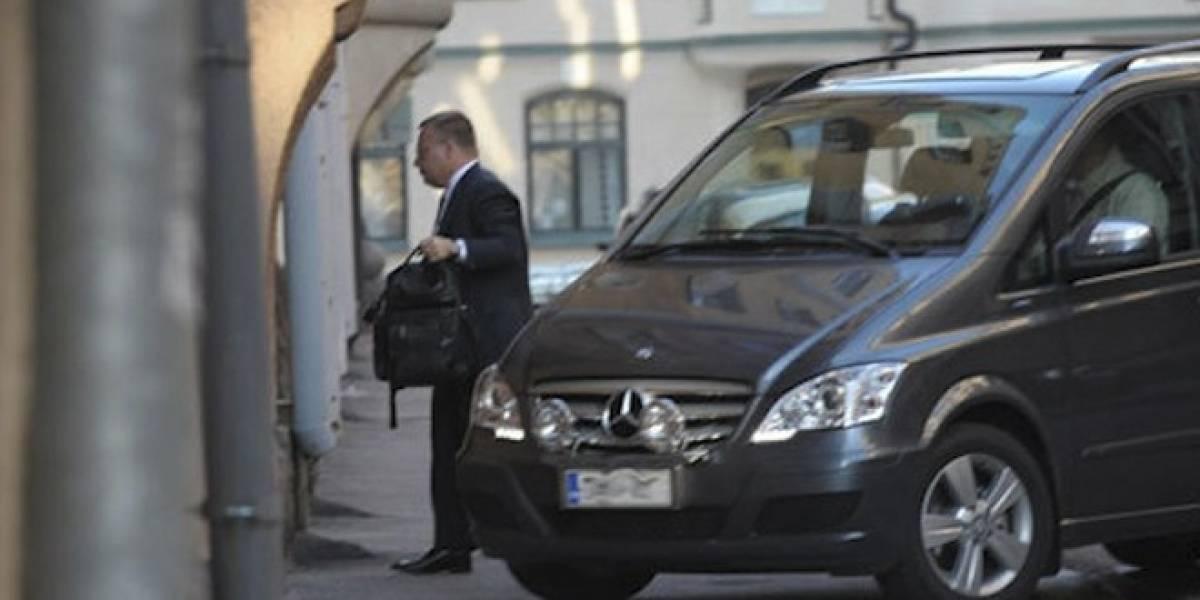 CEO de Nokia regresa a su casa escoltado tras anunciar despidos en todo el mundo