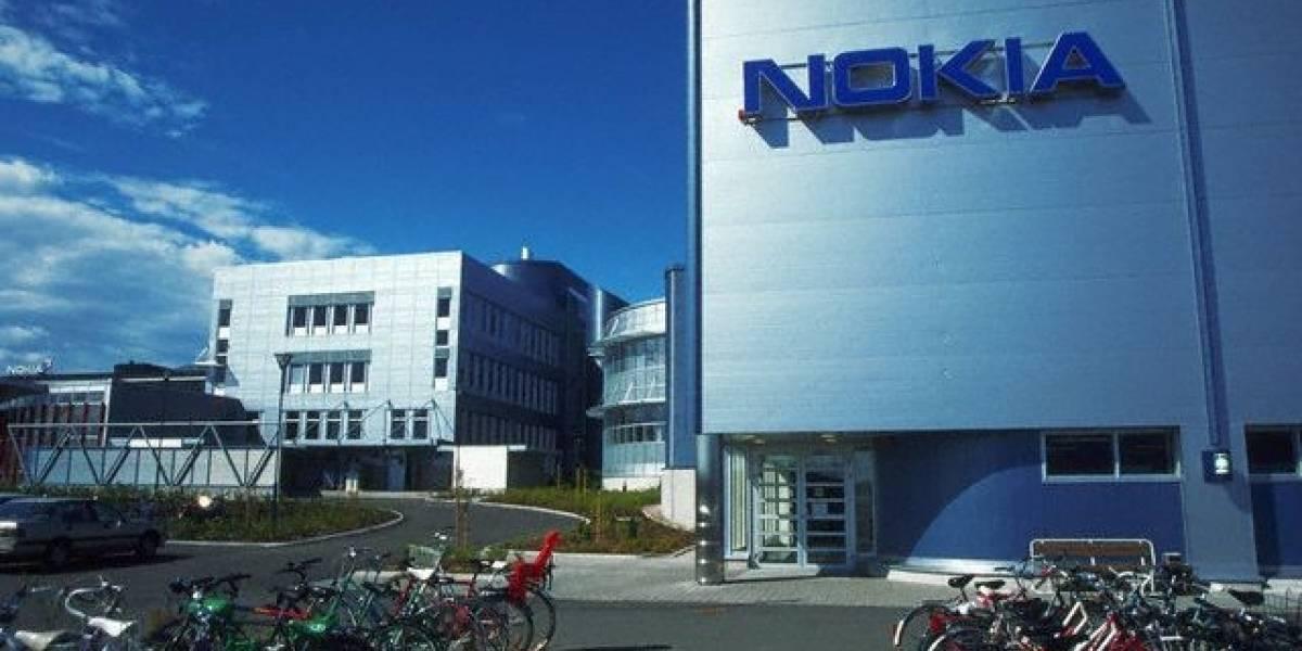 Las acciones de Nokia caen 16% y llegan a su mínimo en 15 años