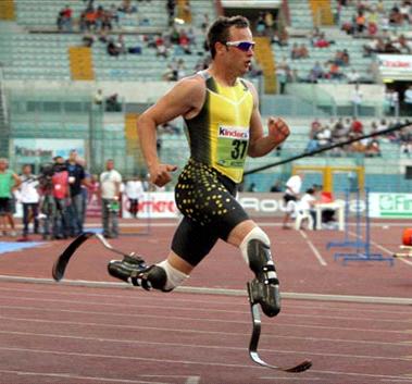 Velocista de las piernas de fibra de carbono correrá el Campeonato Mundial