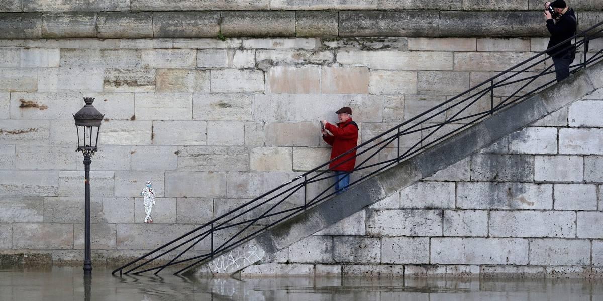 Veja imagens da enchente do Rio Sena, em Paris