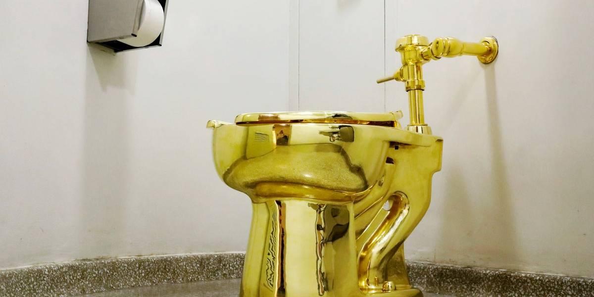 Museu propõe emprestar sanita de ouro a Trump — Vídeo