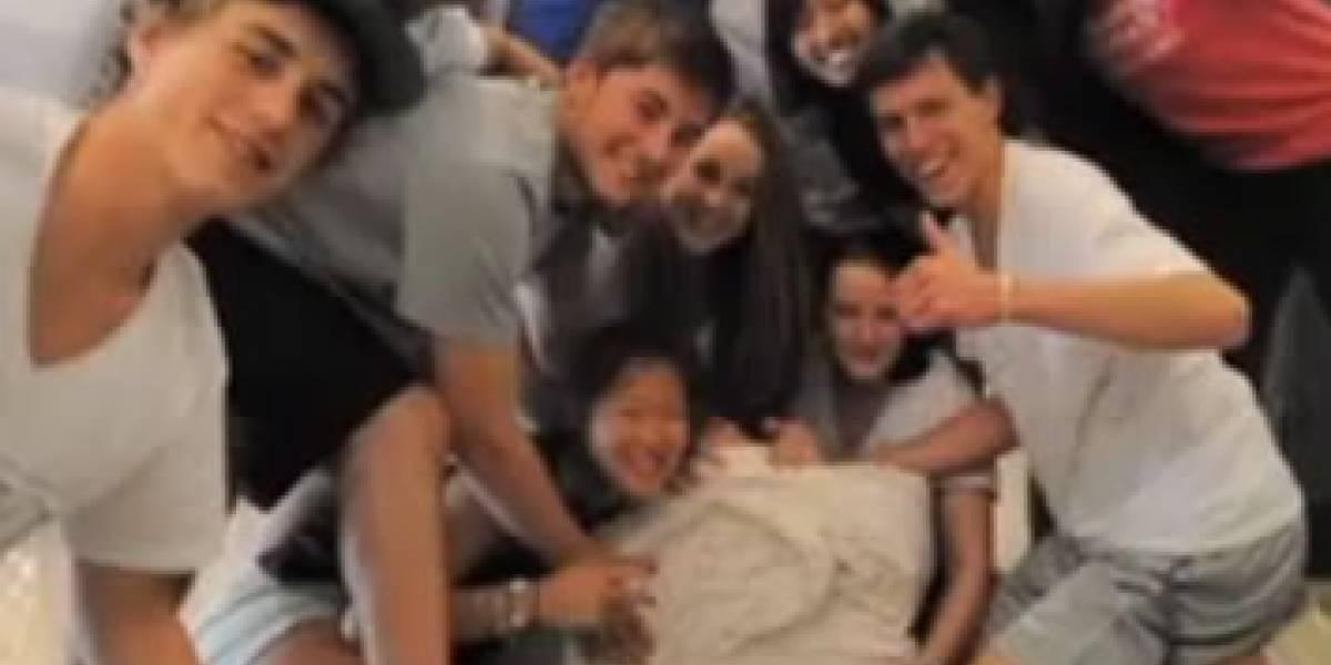 Colegiales estadounidenses rompen récord de dobleces para el papel higiénico
