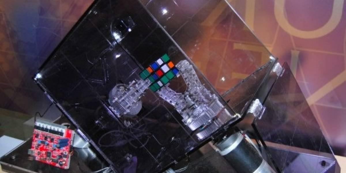 Video: El robot Ruby resuelve el cubo Rubik en 10 segundos, ¿y tú?