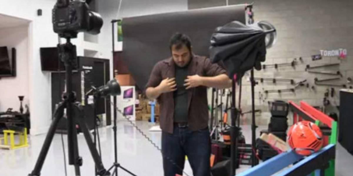 Máquina multi-habitación Rube Goldberg para auto-retratos