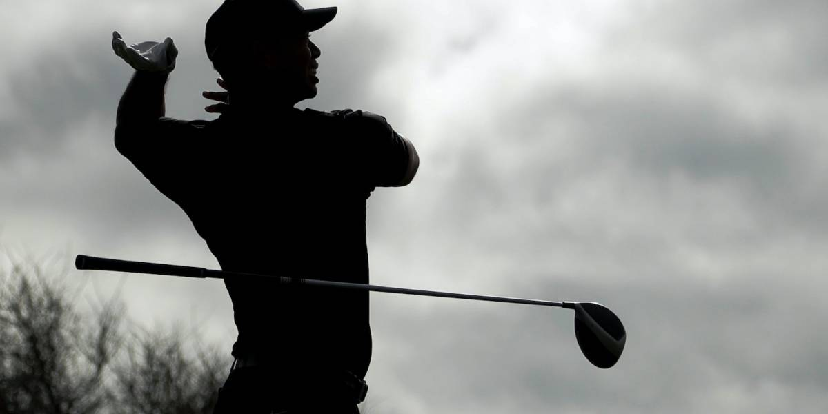 Woods supera el corte de fin de semana en Torrey Pines