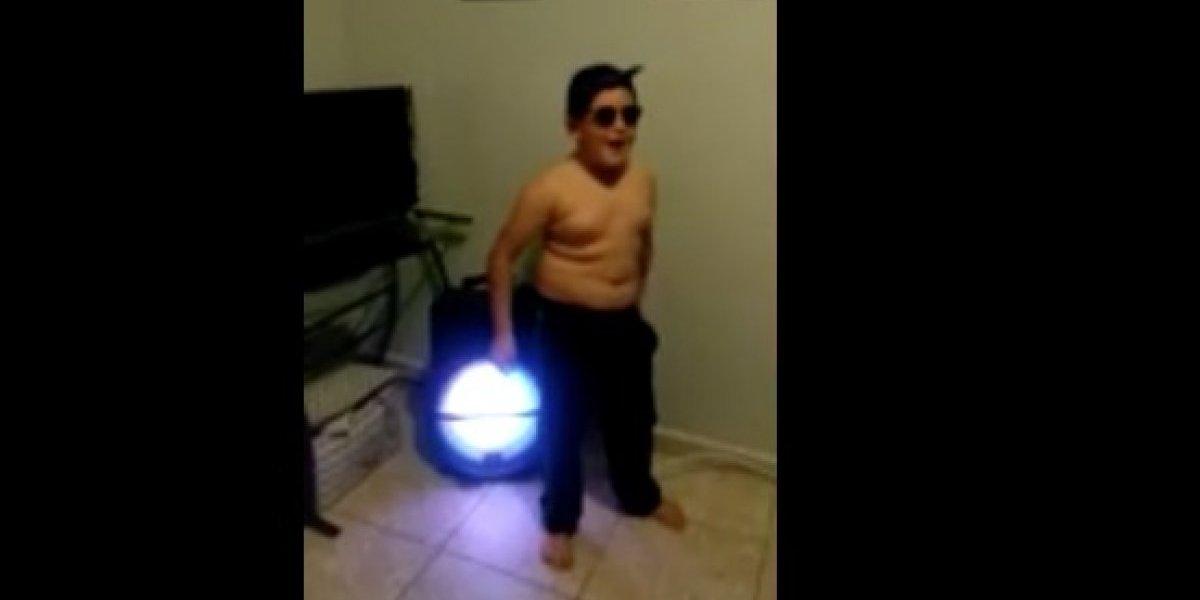 """Niño imita cómicos movimientos de """"Molusco"""" en el #DuraChallenge"""