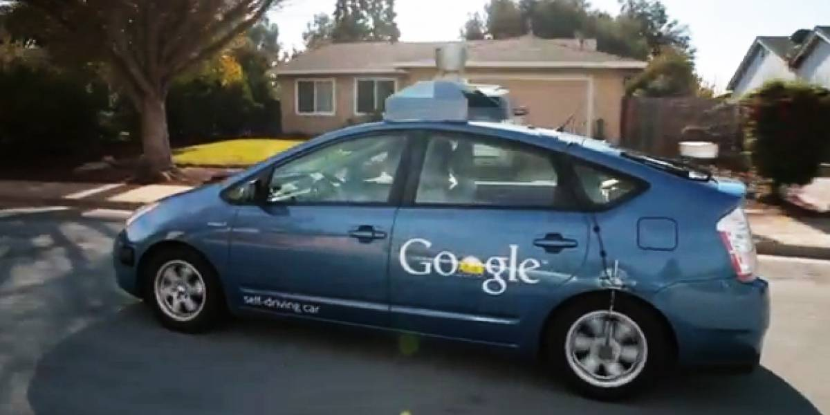 Google busca socios para su auto que se conduce solo