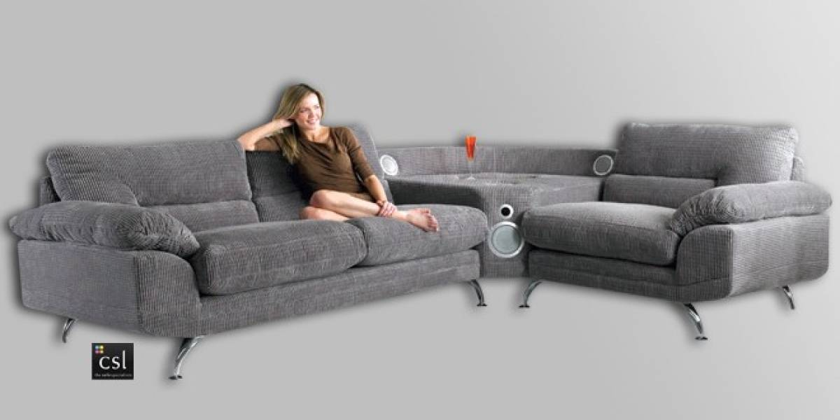"""Un sofá con sonido """"envolvente"""": ¡Conéctale tu iPhone y disfruta de la música!"""