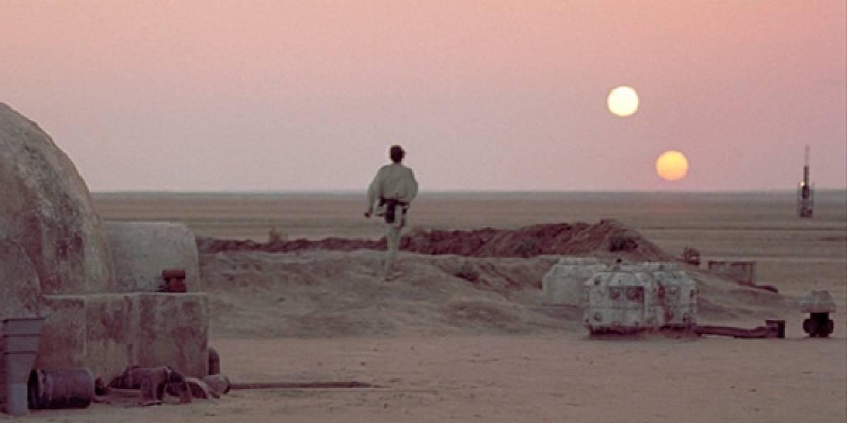 Realizan primer descubrimiento de un planeta oribitando alrededor de dos soles
