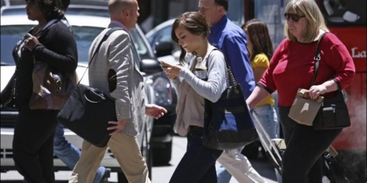 Enviar SMS mientras caminas es contra la ley en Nueva Jersey
