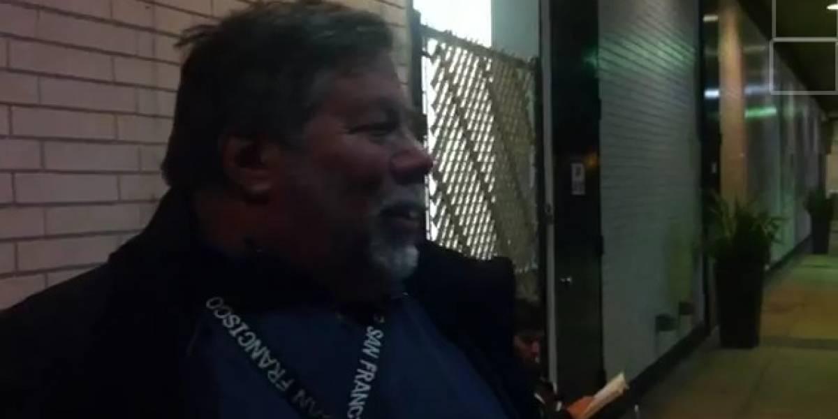 Steve Wozniak fue el primero en la fila para comprar el nuevo iPad en tienda de Los Angeles