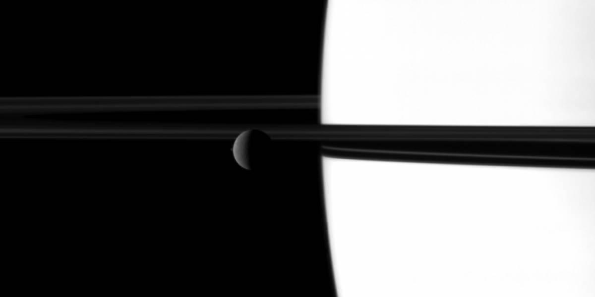 Imperdible: Las lunas de Saturno danzan en Navidad