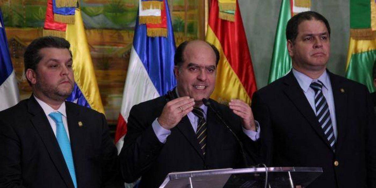 Oposición venezolana confirma irá a diálogo el lunes