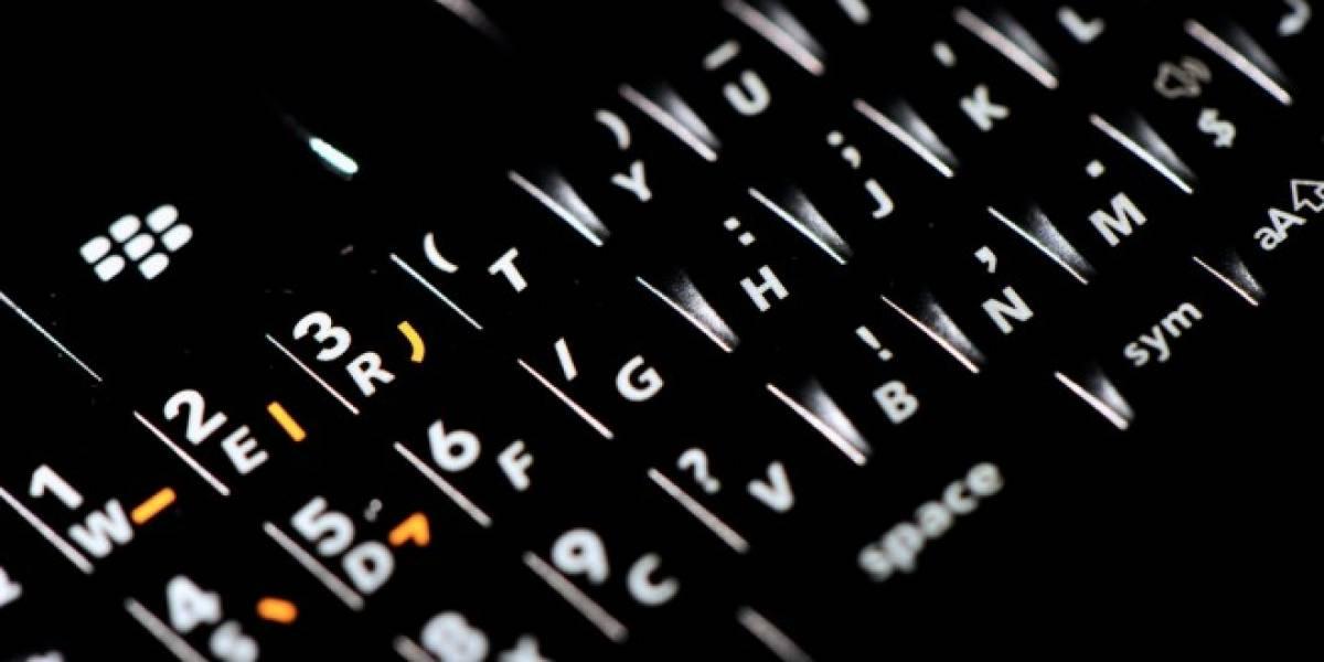 Periodista escribe biografía de 260 páginas en su BlackBerry