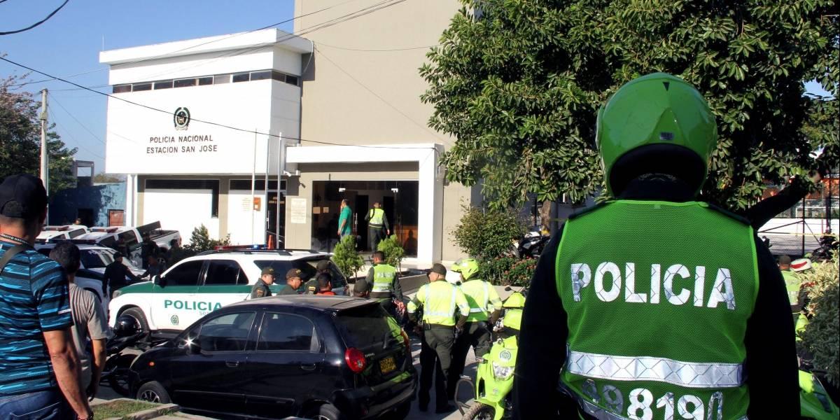 Atentado con 4 policías muertos y 42 heridos revive el terrorismo en Colombia