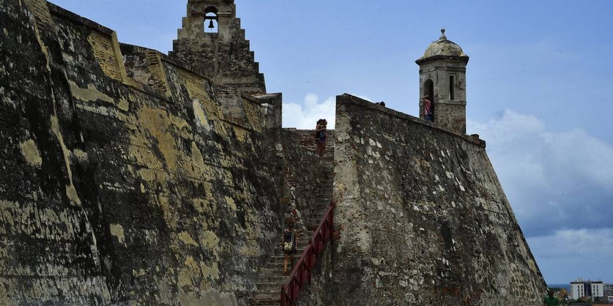 Muere turista alemán tras caer de las murallas de Cartagena