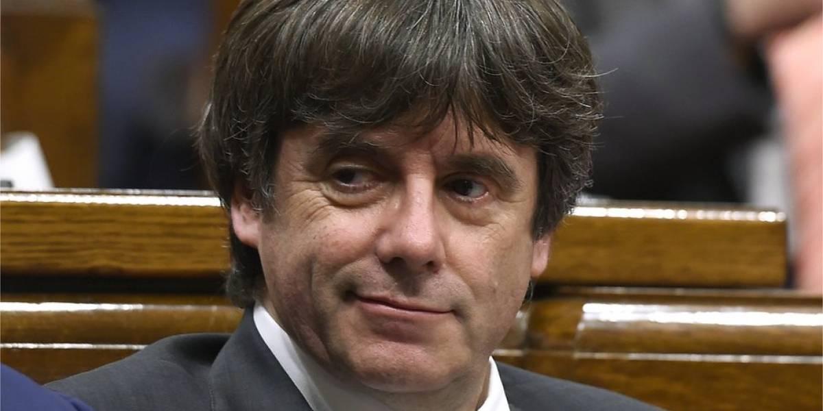 Justicia española prohibe que Carles Puigdemont sea investido presidente de Cataluña a distancia