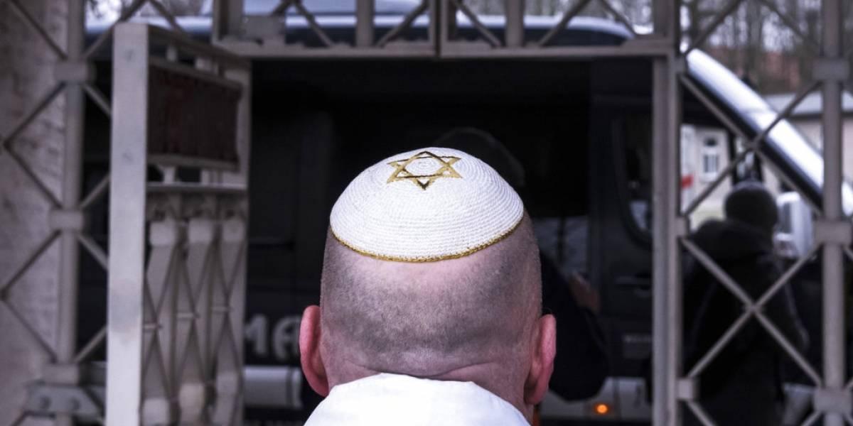 El mundo recuerda el Holocausto entre signos de creciente odio