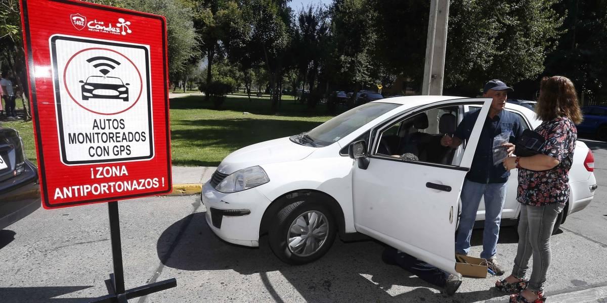 Entregan GPS a vecinos de Las Condes para evitar portonazos