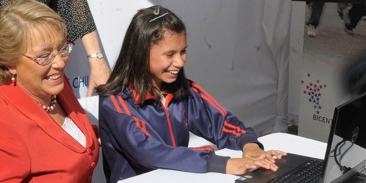 Chile: Gobierno planea entregar 60 mil PC a estudiantes en 2010