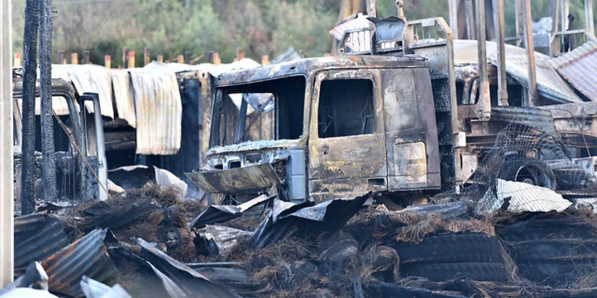 Carabineros investiga quema de cuatro camiones en La Araucanía
