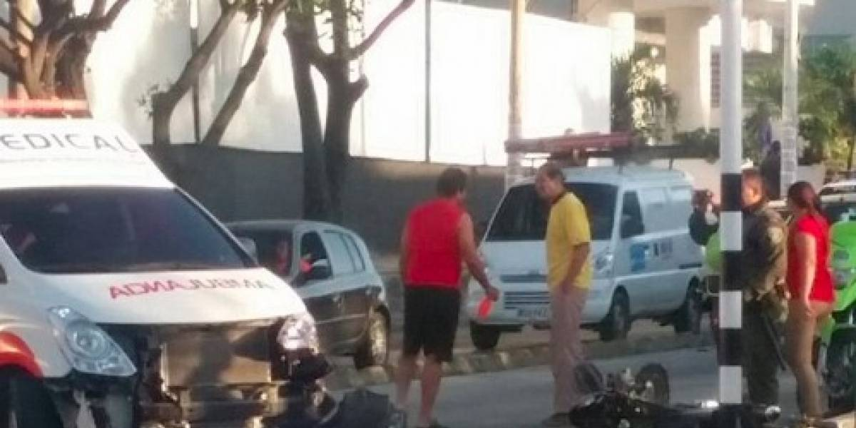 Ambulancia que transportaba heridos de atentado se estrelló en Barranquilla