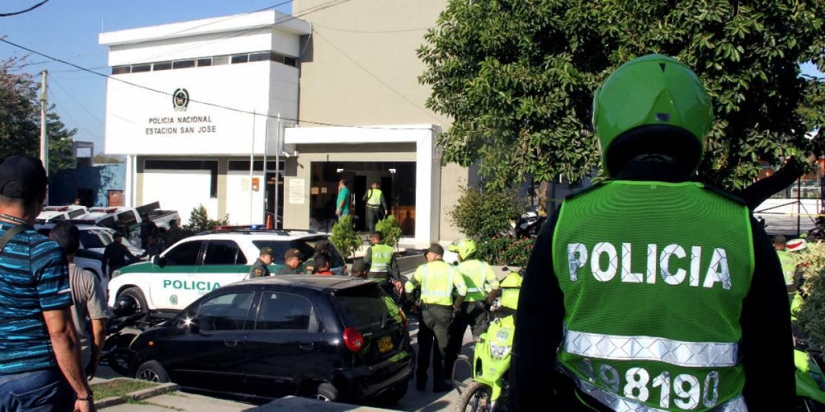 Atentado a estación de policía deja cuatro muertos y 42 heridos en Colombia