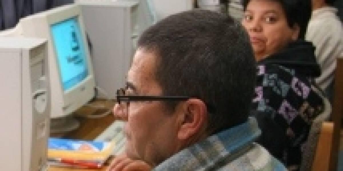 Chile: Escuelas abren sus salas de computación