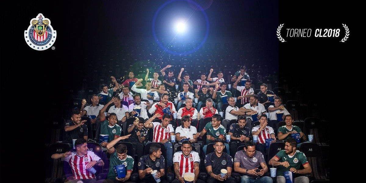 ¡Felices! Chivas presume foto oficial