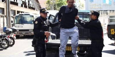 """capturado en zona 18 con tatuaje de """"ladrón"""""""