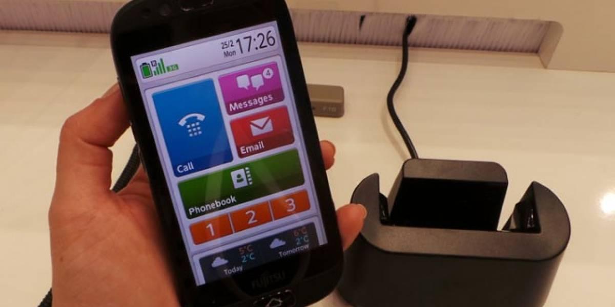 MWC13: Fujitsu se atreve con un móvil Android especial para los abuelos