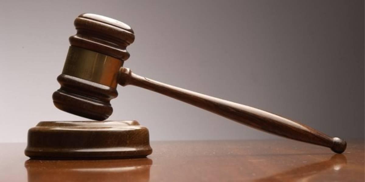 Juez se autoimpone multa por desacato después que su celular sonara en pleno juicio