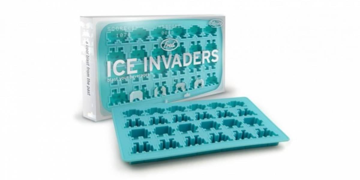 Selección de utensilios de cocina inspirados en Space Invaders