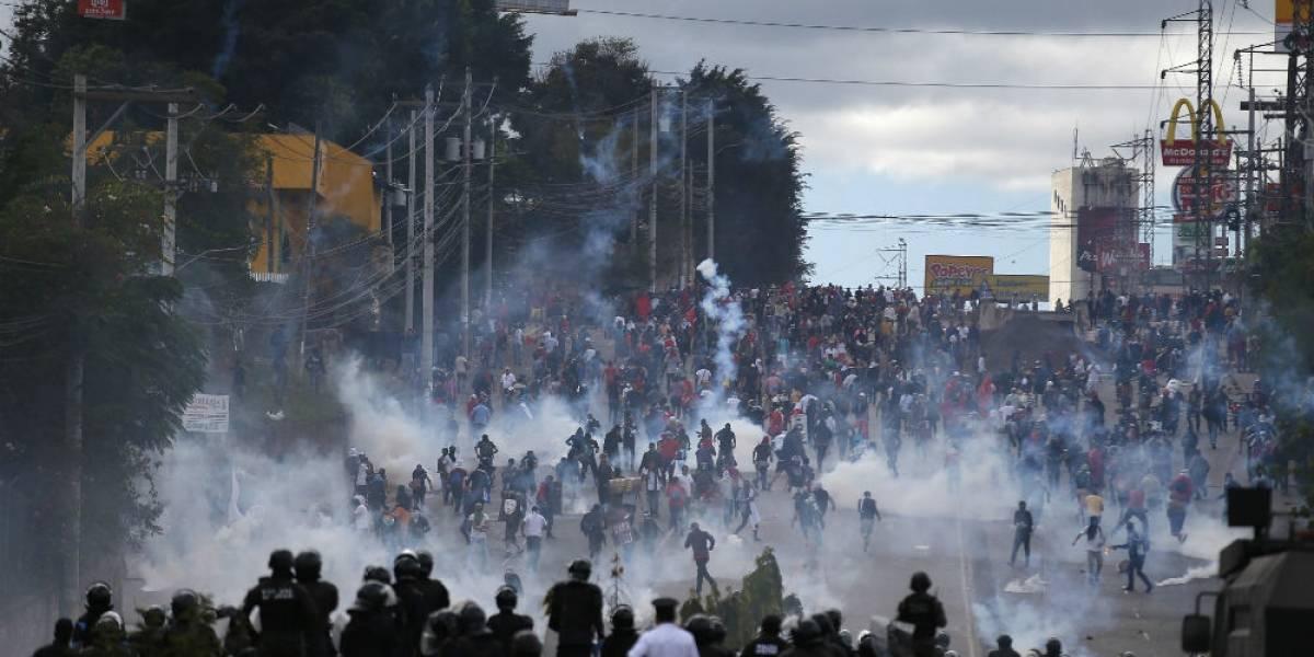 Juan Orlando Hernández asumenuevo mandato en Honduras entre protestas